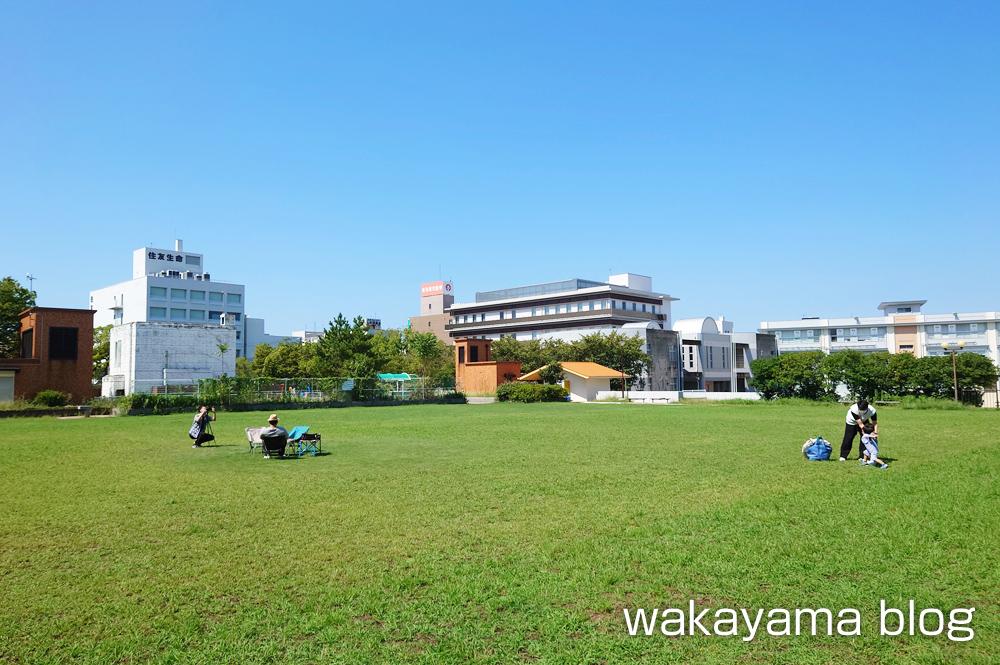 the public 本町公園 和歌山市